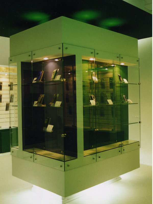 jewelry-display-01